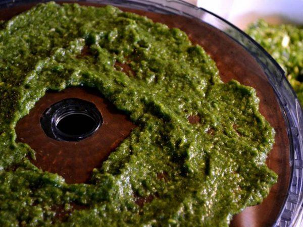 Smet till grönsakssalt i en torkapparat