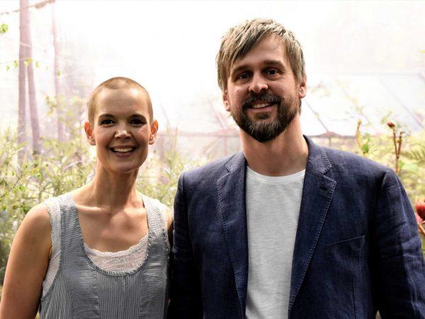 Sara och Johannes står bredvid varandra. Foto Theres Lundén