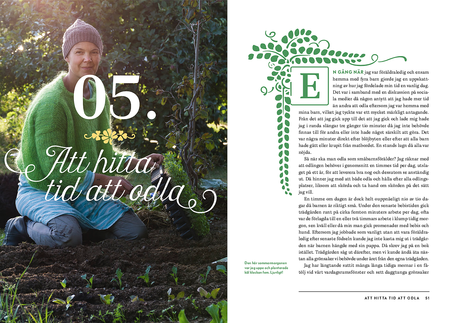 Ett uppslag ur boken med viss text och Sara som planterar på en bild på vänstersidan.
