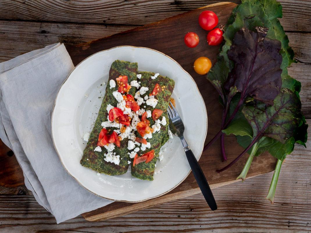 Bild på glutenfria pannkakor av rödbetsblast.