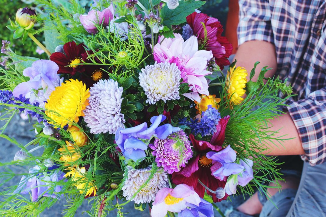 Flower bouquet with lots of color