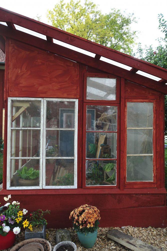 Gavel med glasfönster.