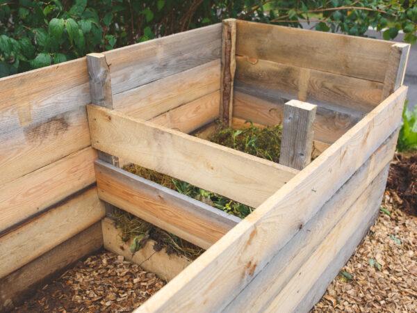 Byggbeskrivning: Bygg din egen trädgårdskompost